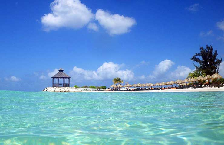 montego bay jamaica clear water
